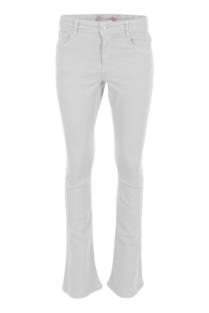 Broek Elina is een licht afgewassen Denim Flared  jeans met knoop- en ritssluiting. Elina is een 5-pocket model met een klein hartje op de achterzak. Ze is voorzien van fijn stretchy materiaal en draagt comfortabel. De tailleband van de broek heeft ceintuurlussen. De broek valt normaal qua maat en is te verkrijgen in het White, Light Sand en Sali green.   <ul> <li>Knoop- en ritssluiting</li> <li>Bootcut jeans</li> <li>Denim broek</li> <li>Tailleband met ceintuurlussen</li> <li>5-pocket model</li> <li>Klein hartje op achterzak</li> <li>Model Elina</li> <li>Valt normaal qua maat</li> <li>Te verkrijgen in het white , Light sand  en  Sali Green</li> </ul>