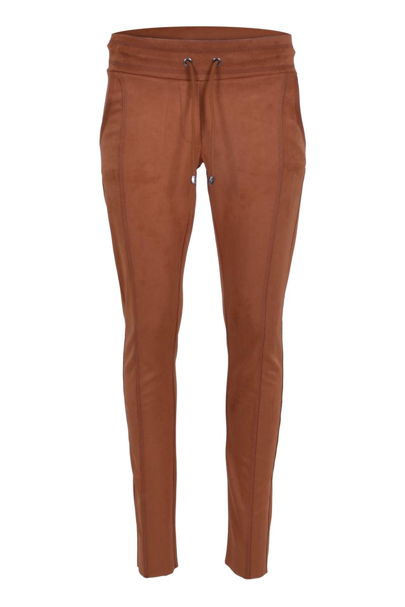 Extra skinny broek met een dubbel sierstiksel op het bovenbeen. Broek heeft een hoge tailleband met koord. in is gemaakt van een  prachtige kwaliteit suèdine