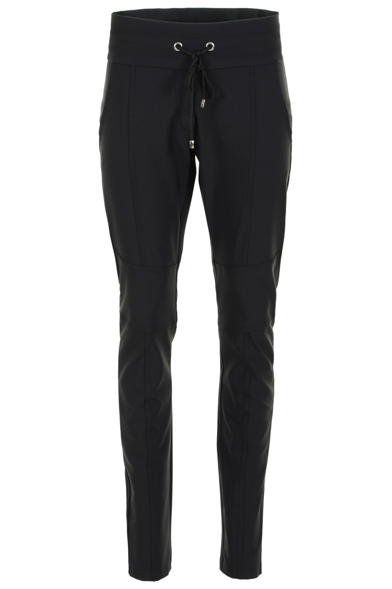 Al jarenlang , een van onze best verkochte broeken. Broek heeft een hoge tailleband met koord. 2 steekzakken en mooie  deelnaaden op het voorbeen/knie.  Binnenbeen lengte 82 cm.