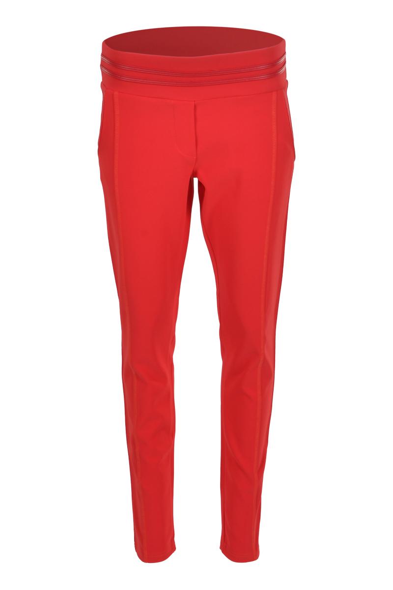 Skinny broek met brede tailleband. De tailleband is afgewerkt met een dubbel lederen bies