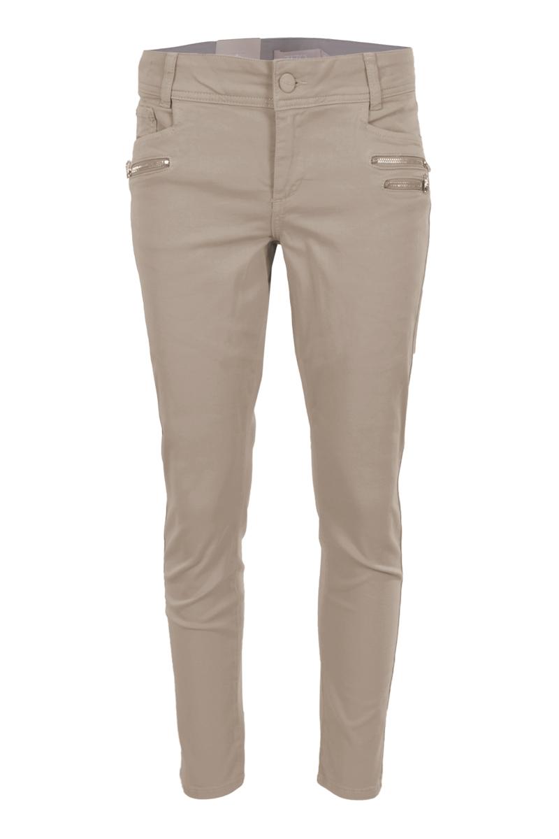 Color denim broek met 3 ritsen op de voorkant.